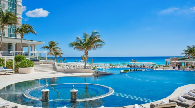 Review: Sandos Cancun
