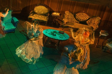 Haunted-Mansion-Magic-Kingdom-Ballroom-Scene